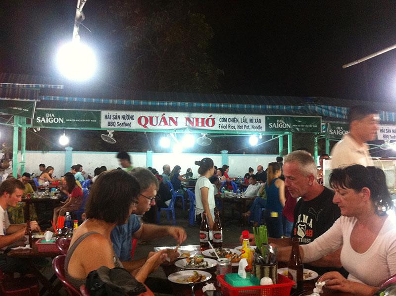 Duong Dong Night Market