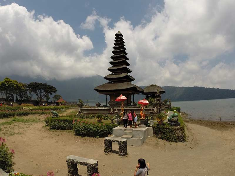 Pura Ulun Danu Bratan - this would look better in wet season as the temple would 'float'