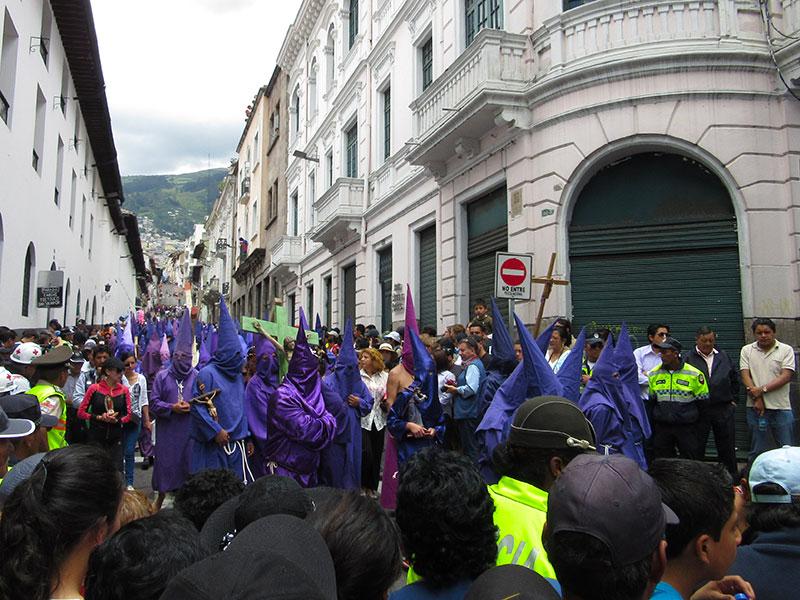QuitoParade1