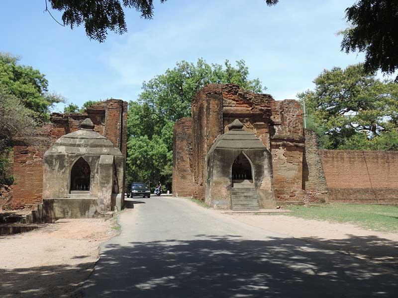 Going through the gates of Old Bagan