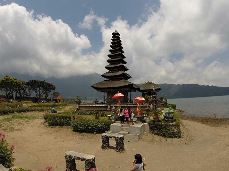 Pura Ulun Danu Bratan - this would look better in wet season as the temple would 'float'